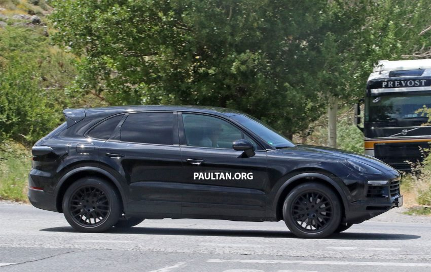 2018 Porsche Cayenne spotted hot weather testing Image #517458
