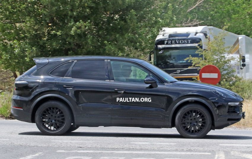 2018 Porsche Cayenne spotted hot weather testing Image #517459