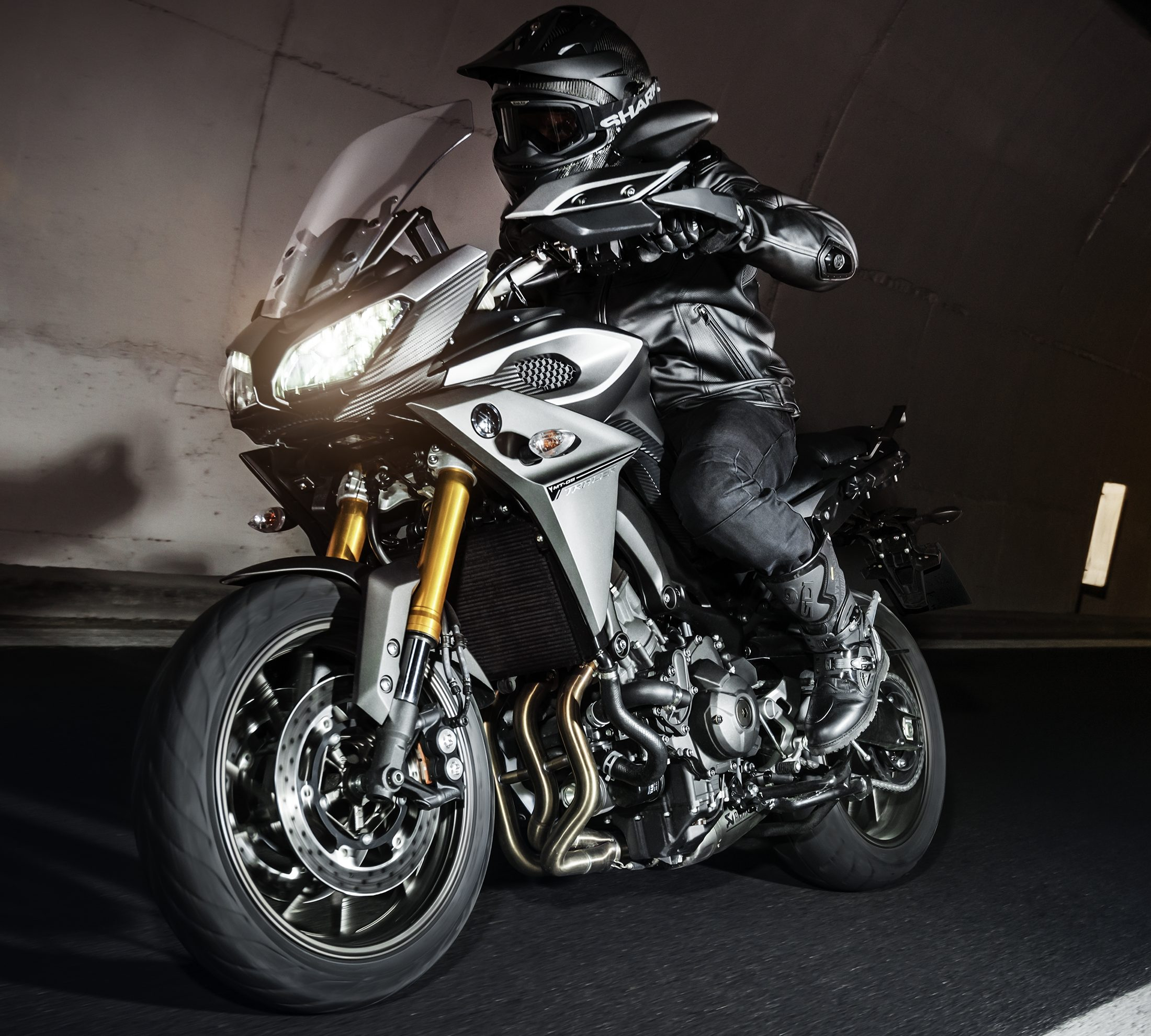 2016 yamaha mt 09 tracer in malaysia rm59 900 image 514835. Black Bedroom Furniture Sets. Home Design Ideas