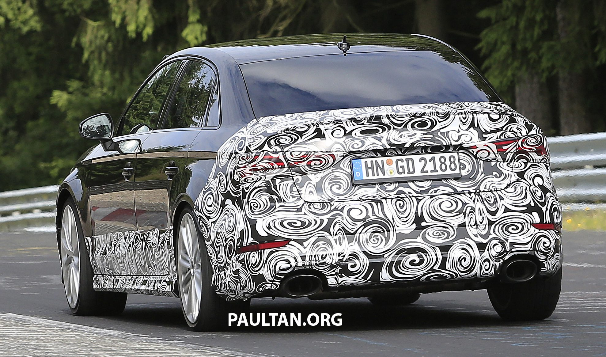 spyshots  new audi rs3 spotted testing on the track image 517555