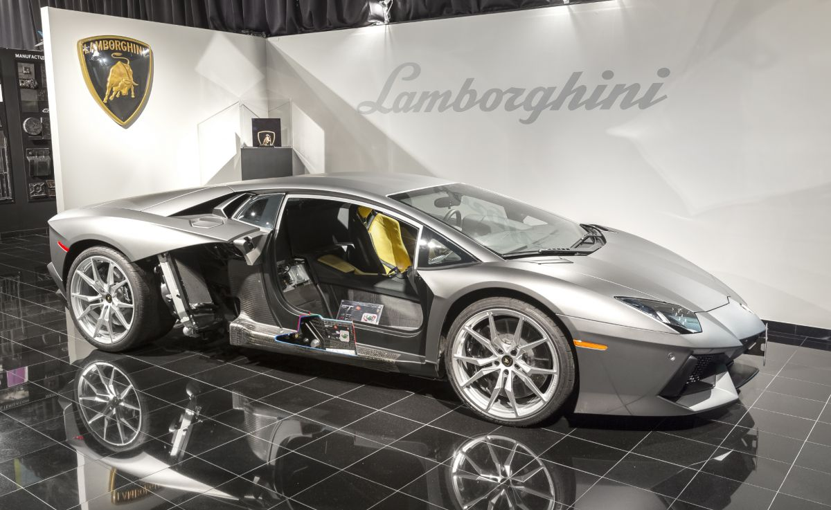 Lamborghini opens new carbon-fibre research centre; new ...
