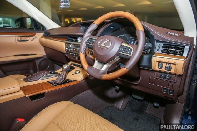 Lexus_ES250_Int-1