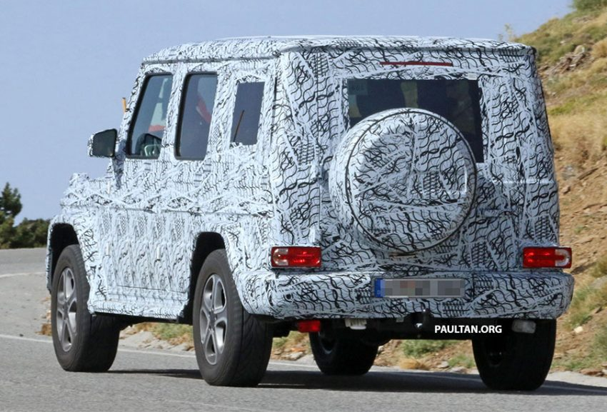 SPIED: Next-generation Mercedes-Benz G-Class – similar looks, but set for 400 kg weight reduction Image #526485