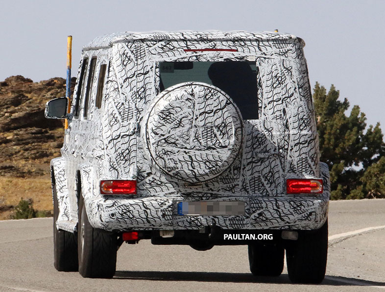 SPIED: Next-generation Mercedes-Benz G-Class – similar looks, but set for 400 kg weight reduction Image #526487
