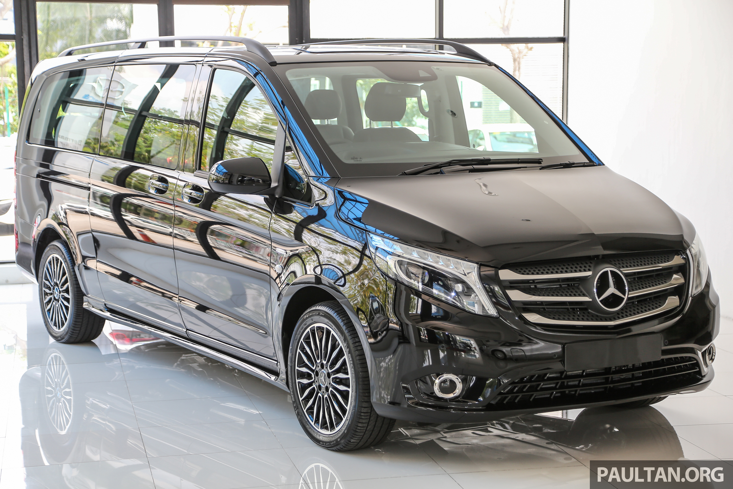 mercedes benz vito tourer now in malaysia rm287k image 515562. Black Bedroom Furniture Sets. Home Design Ideas
