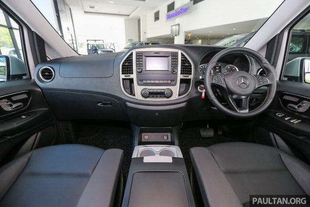 Mercedes_Vito_Tourer_Int-17