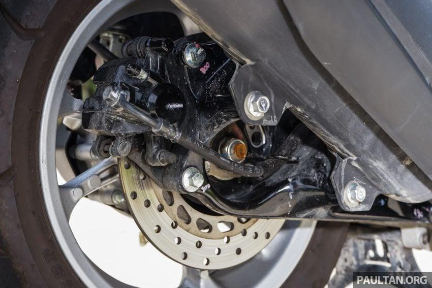 REVIEW: 2016 Yamaha NMax scooter – PCX150 killer? Image #518050