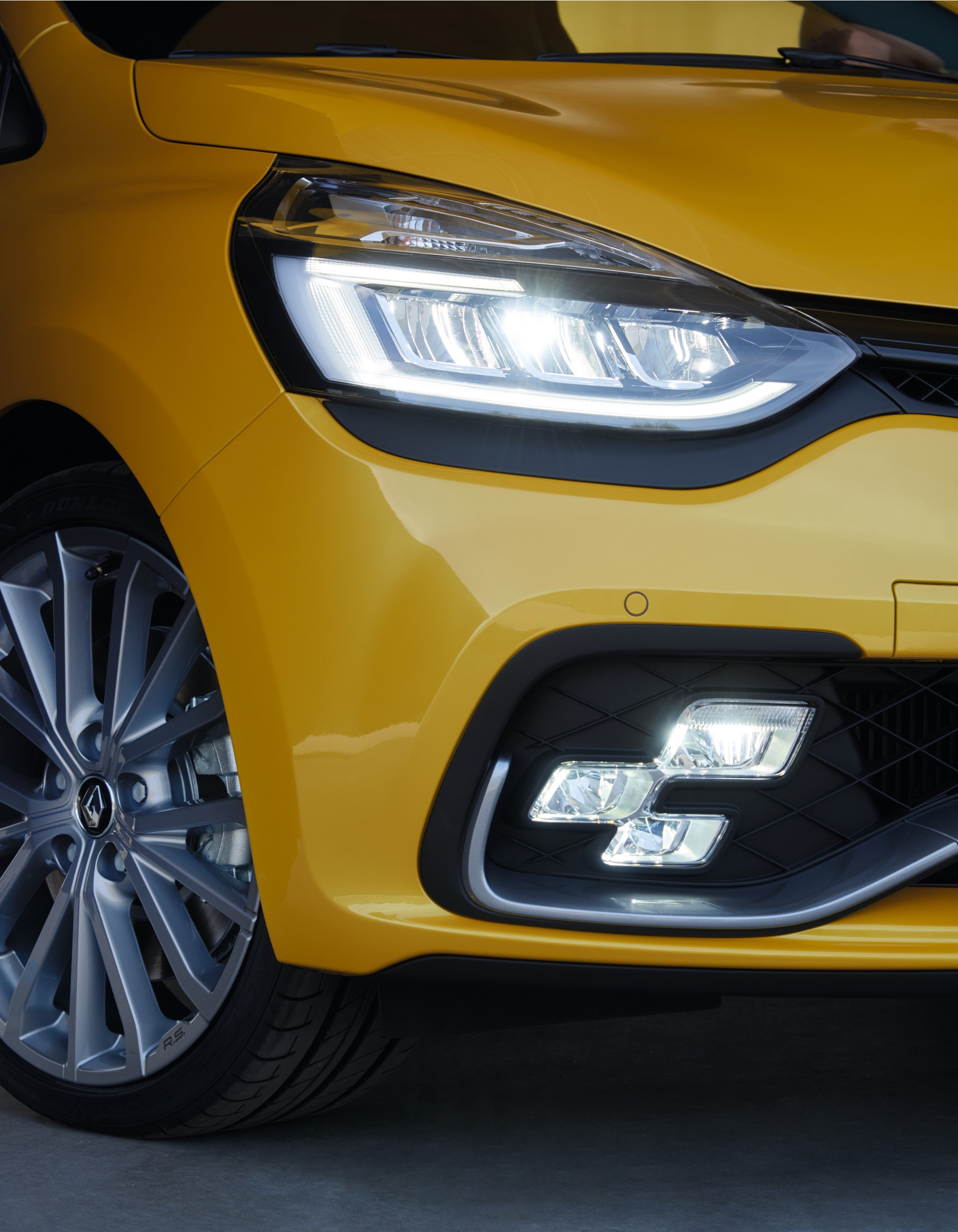 Renault Reveals Clio Rs Facelift Three Variants On Offer