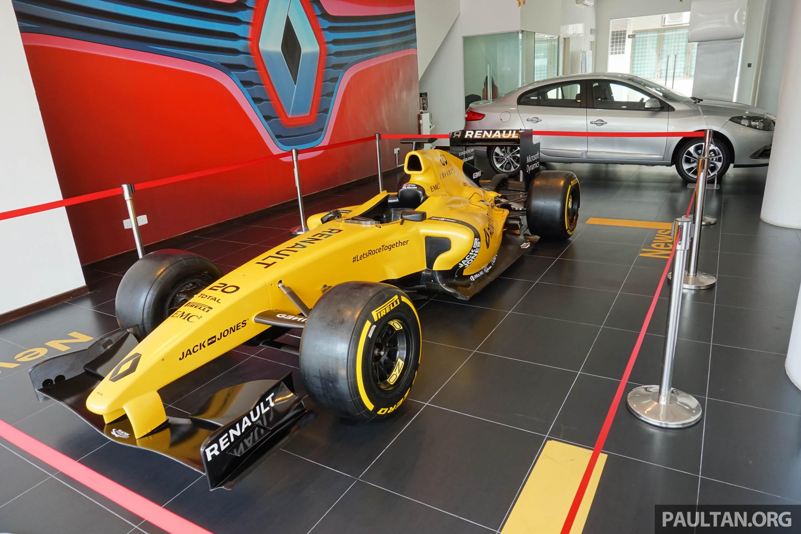 2016 renault rs 16 formula one race car replica on tour at. Black Bedroom Furniture Sets. Home Design Ideas