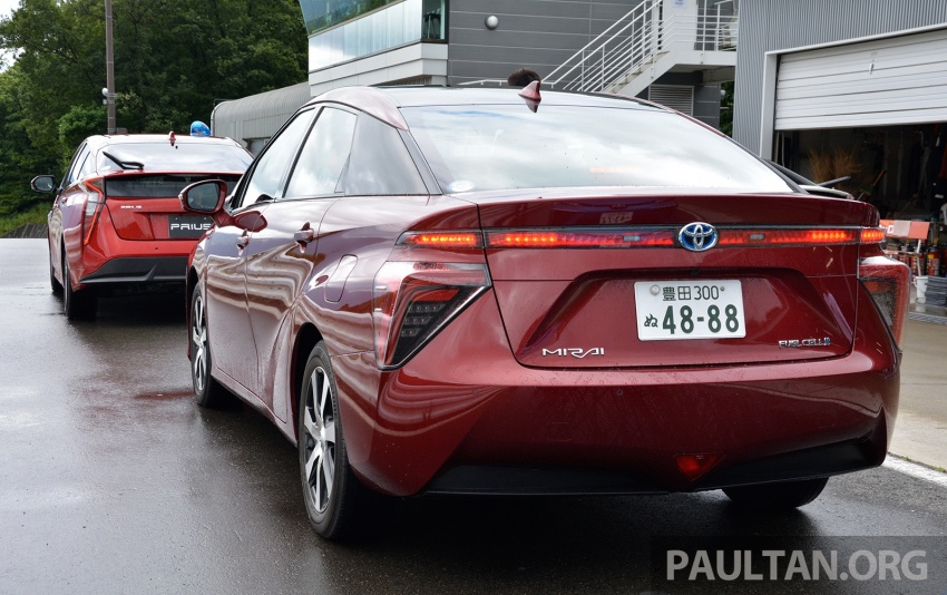 Toyota aims to sell 30k fuel cell cars per year by 2020 Image #542007