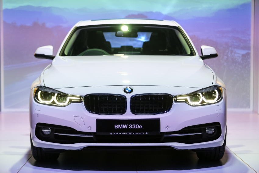 BMW 330e iPerformance Sport plug-in hybrid launched in Malaysia: 0-100 km/h 6.1 sec, 2.1 l/100 km, RM249k Image #540715