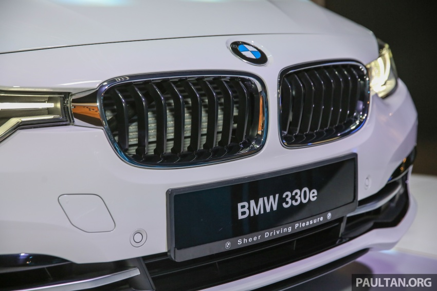 BMW 330e iPerformance Sport plug-in hybrid kini di Malaysia – 0-100 km/j 6.1 saat, 2.1l/100km, RM249k Image #540545