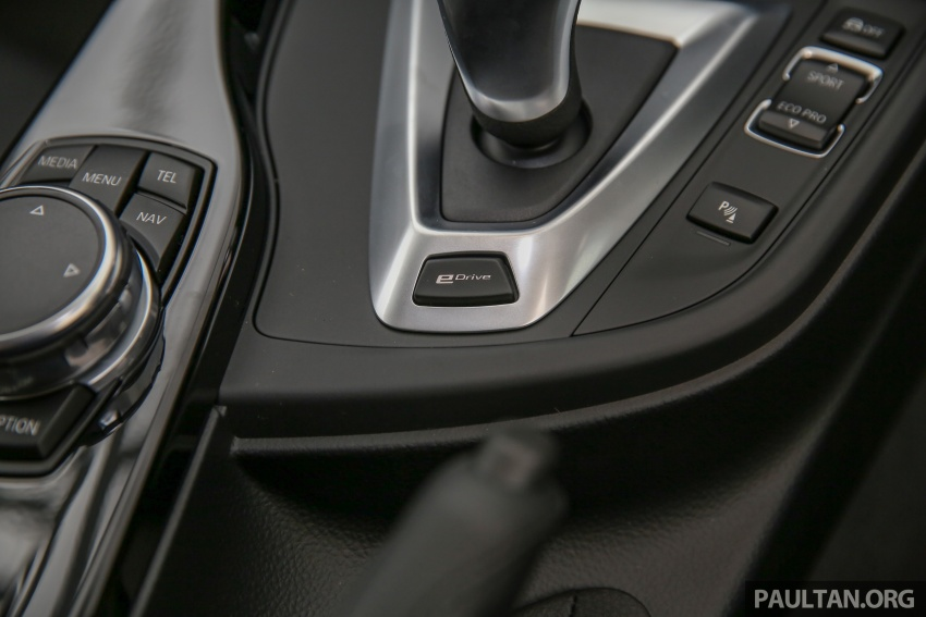 BMW 330e iPerformance Sport plug-in hybrid kini di Malaysia – 0-100 km/j 6.1 saat, 2.1l/100km, RM249k Image #540633
