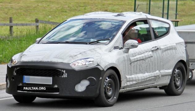 Ford-Fiesta-3-door-2-spied