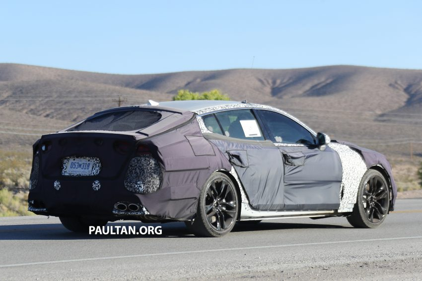 SPYSHOTS: Kia GT shows off its liftback body style Image #536513