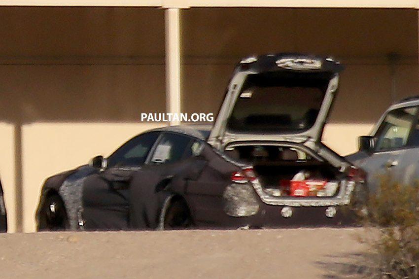 SPYSHOTS: Kia GT shows off its liftback body style Image #536517