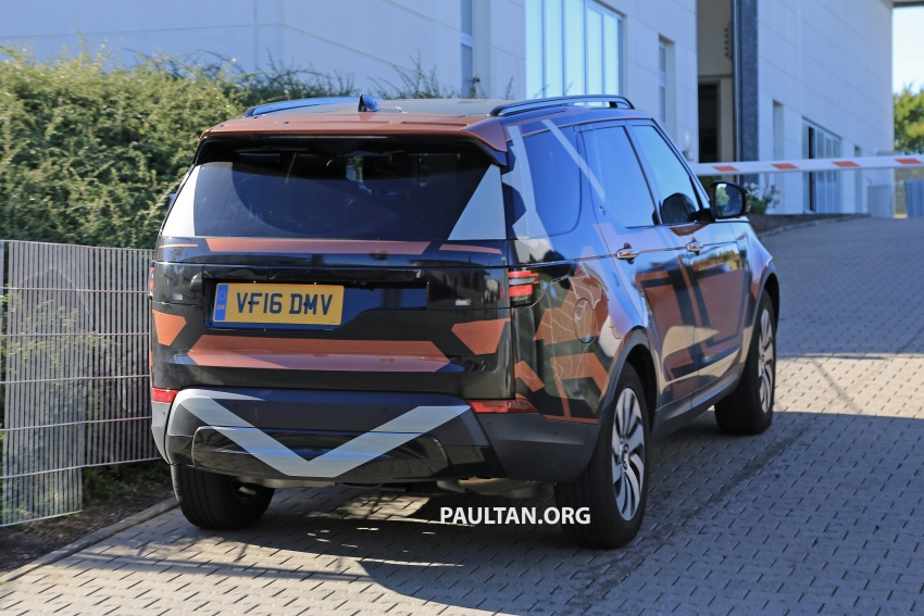 SPYSHOTS: 2017 Land Rover Discovery 5 almost nude Image #540200