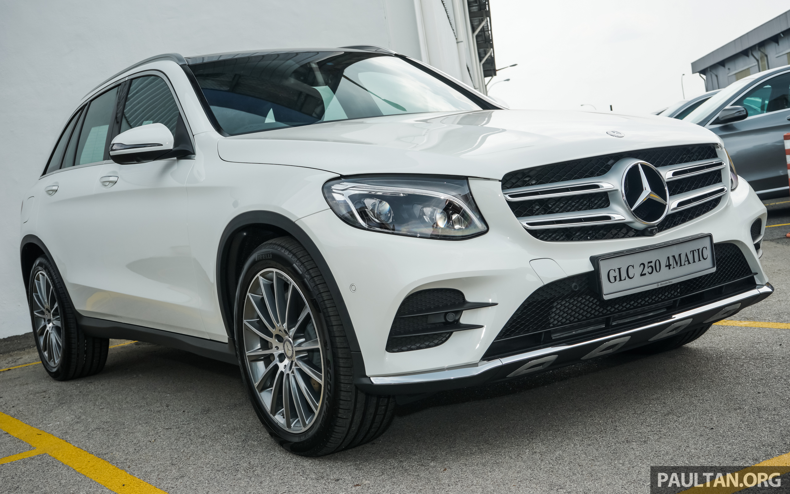 mercedes benz glc 250 skd launched amg rm326k. Black Bedroom Furniture Sets. Home Design Ideas