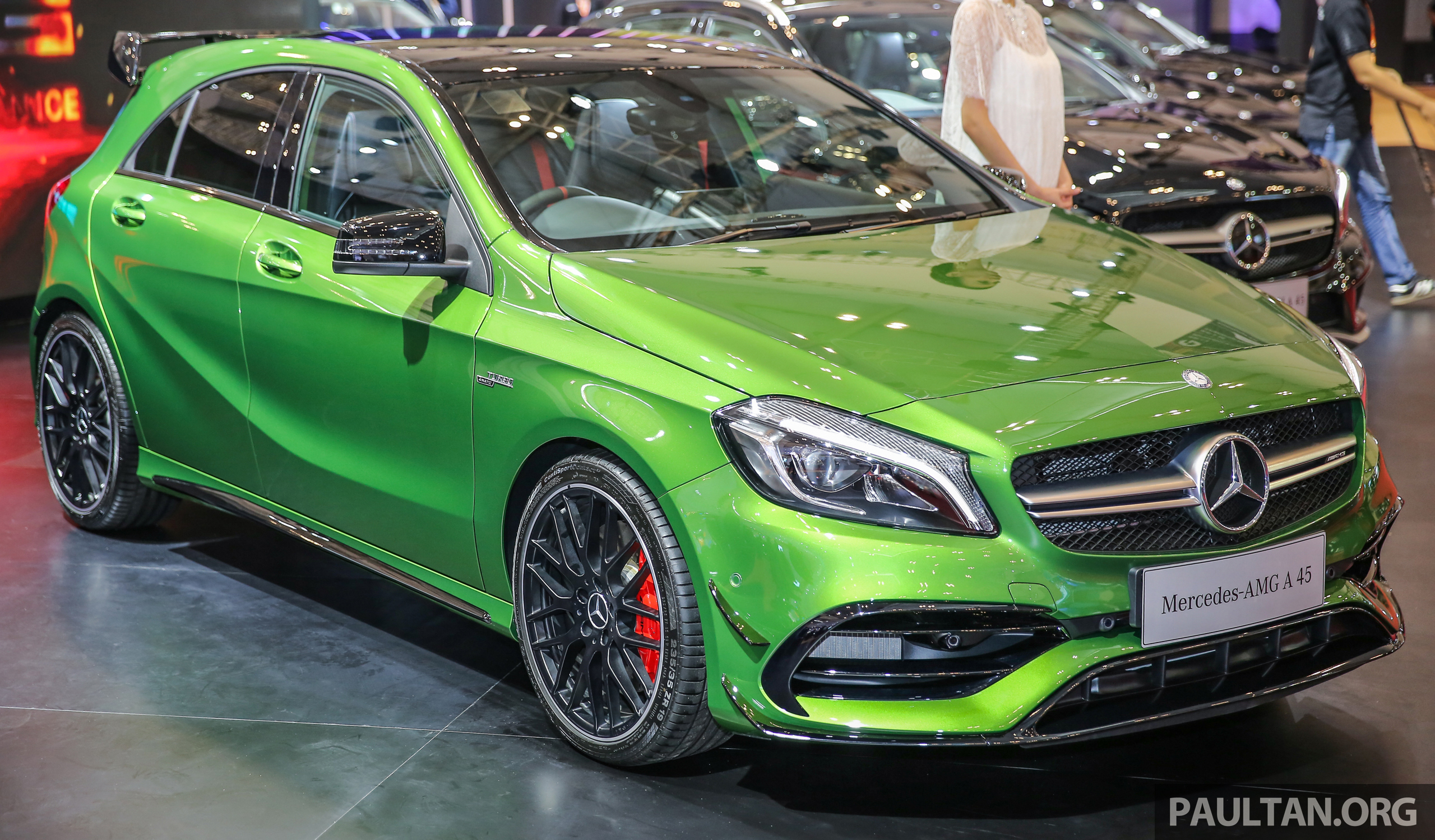 GIIAS 2016: Mercedes-AMG A45 dengan Elbaite Green Paul Tan ...