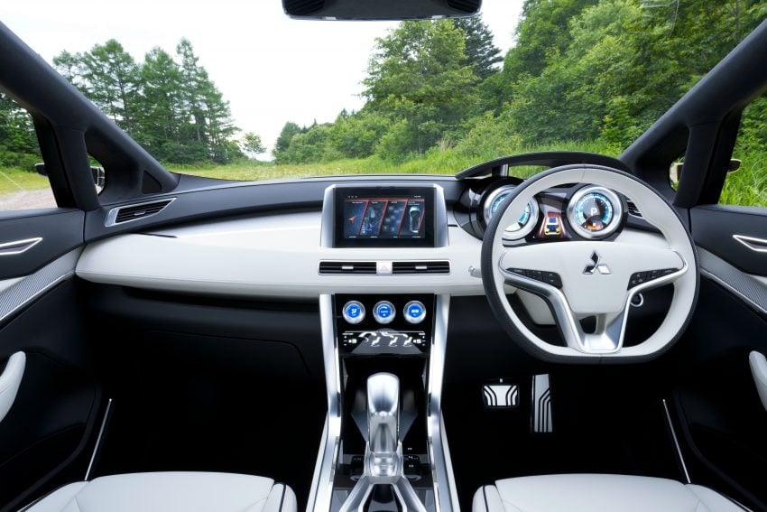 GIIAS 2016: Mitsubishi XM Concept makes world debut, low MPV to rival Avanza, Mobilio in Indonesia Image #533628