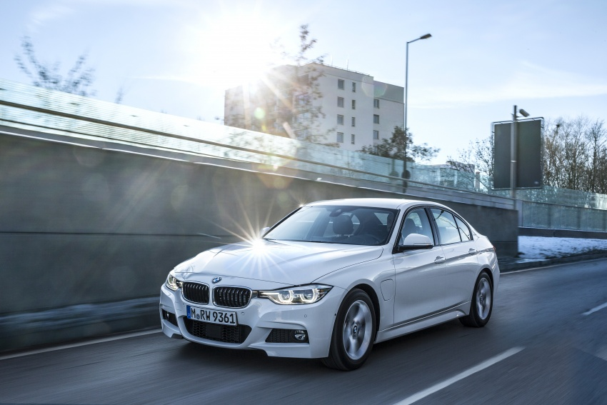 BMW 330e iPerformance Sport plug-in hybrid launched in Malaysia: 0-100 km/h 6.1 sec, 2.1 l/100 km, RM249k Image #540375