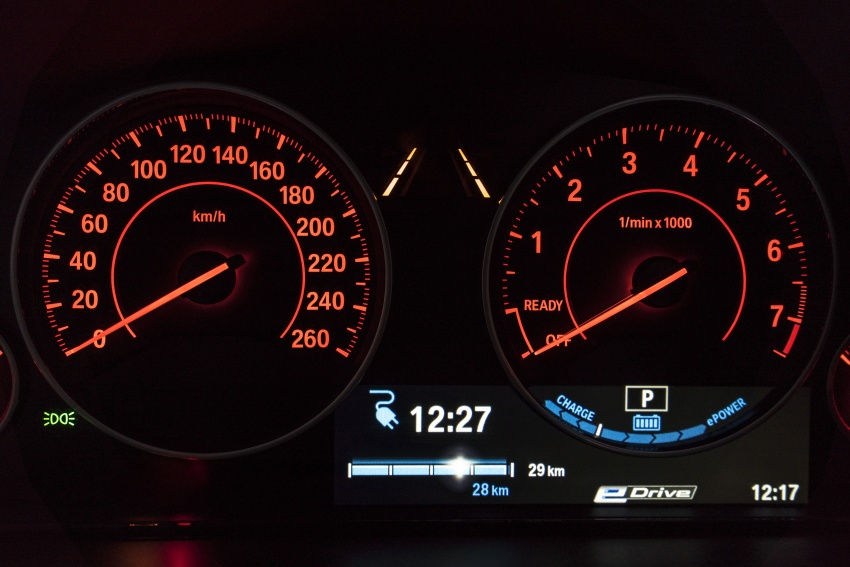 BMW 330e iPerformance Sport plug-in hybrid launched in Malaysia: 0-100 km/h 6.1 sec, 2.1 l/100 km, RM249k Image #540390