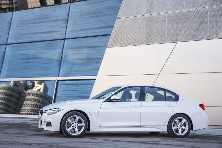 BMW 330e iPerformance Sport plug-in hybrid launched in Malaysia: 0-100 km/h 6.1 sec, 2.1 l/100 km, RM249k Image #540382