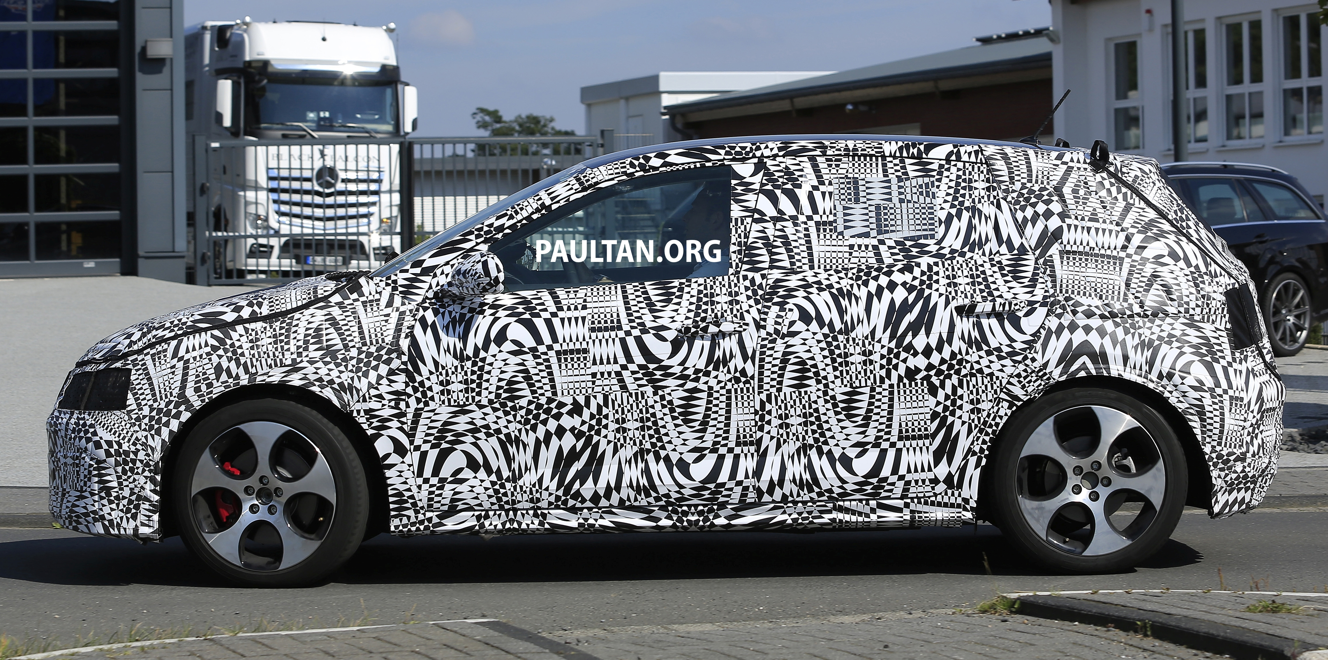 Back to Story: SPYSHOTS: 2018 Volkswagen Polo, Polo GTI spotted