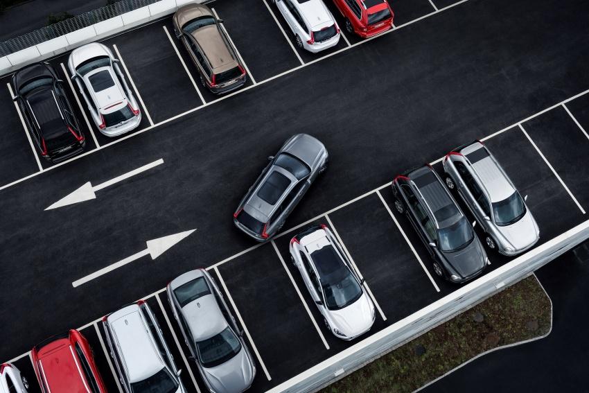Volvo V90 Cross Country – wagon serba boleh generasi baharu kini diperkenalkan secara rasmi Image #550103