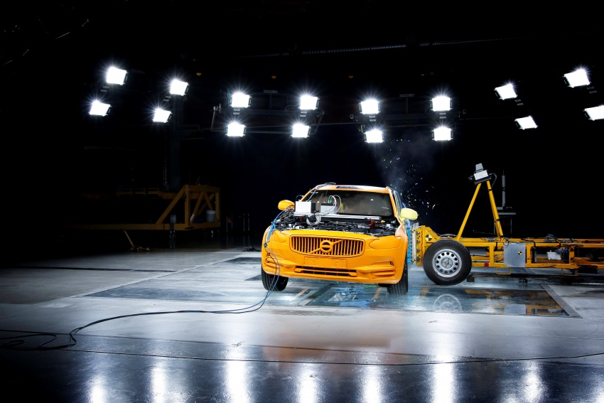 Volvo V90 Cross Country – wagon serba boleh generasi baharu kini diperkenalkan secara rasmi Image #550102