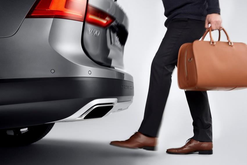 Volvo V90 Cross Country – wagon serba boleh generasi baharu kini diperkenalkan secara rasmi Image #550089