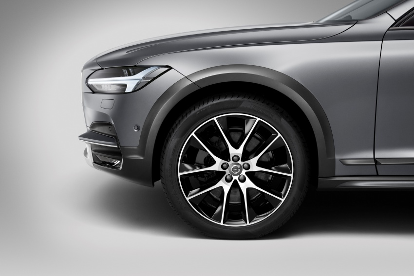Volvo V90 Cross Country – new off-road wagon debuts Image #549757