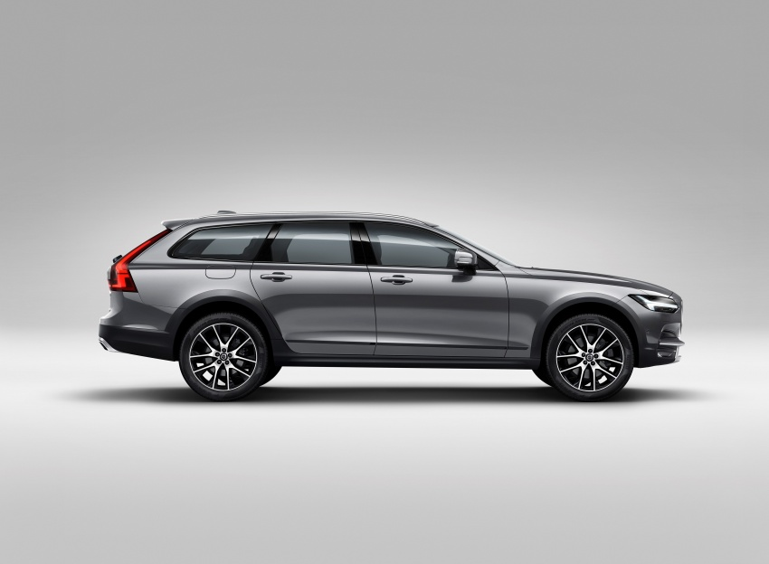 Volvo V90 Cross Country – new off-road wagon debuts Image #549780
