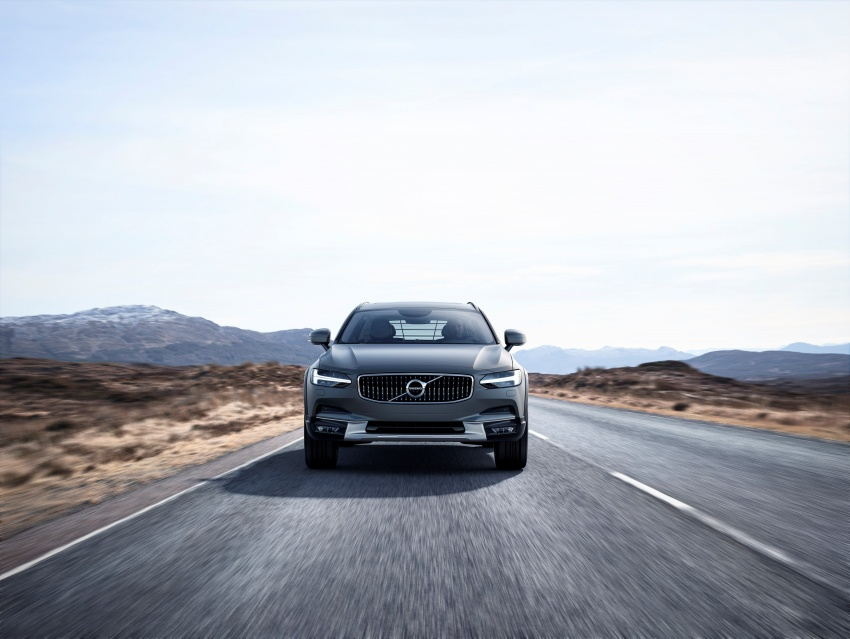 Volvo V90 Cross Country – new off-road wagon debuts Image #549783