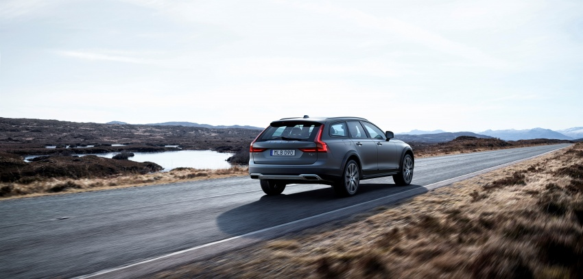 Volvo V90 Cross Country – new off-road wagon debuts Image #549785
