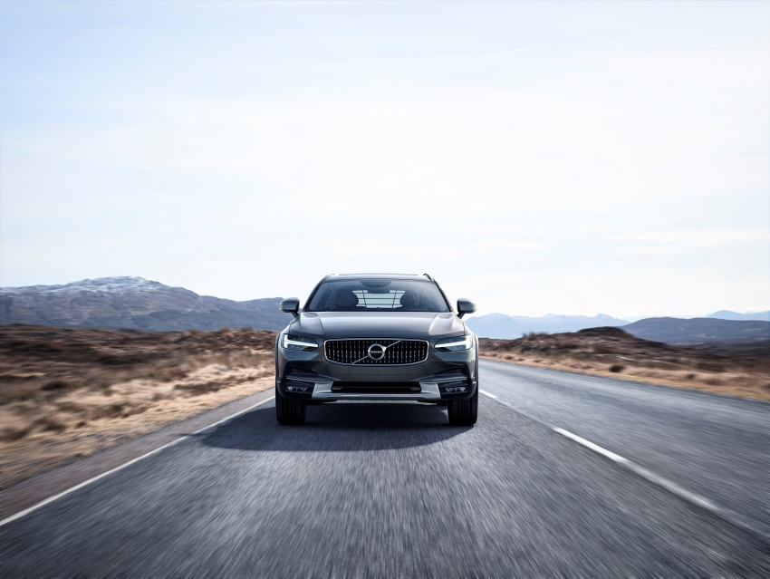 Volvo V90 Cross Country – new off-road wagon debuts Image #549791