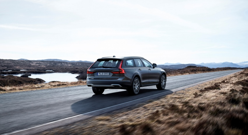Volvo V90 Cross Country – new off-road wagon debuts Image #549793