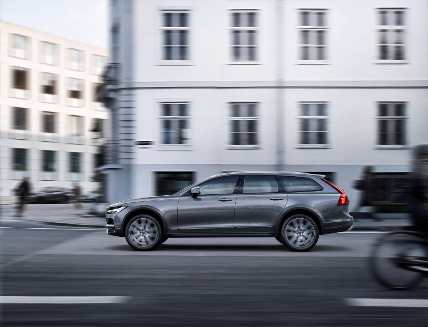Volvo V90 Cross Country – new off-road wagon debuts Image #549806