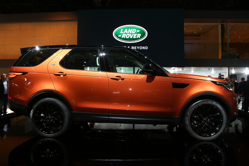 New Land Rover Discovery: full 7-seater, 480 kg lighter Image #558323