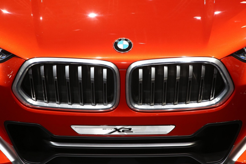 BMW Concept X2 unveiled in Paris – it's the 'X1 Coupe' Image #558286