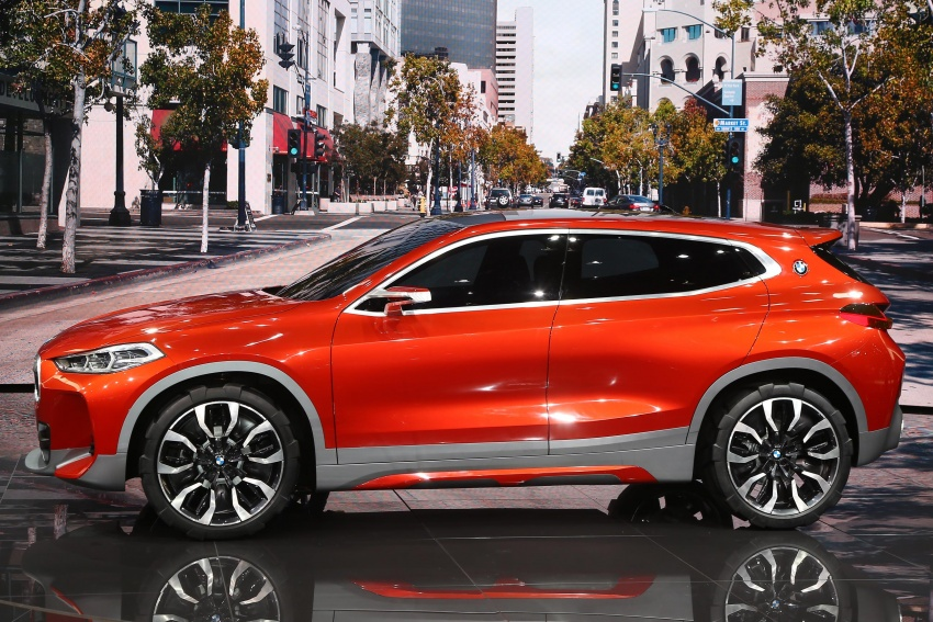 BMW Concept X2 unveiled in Paris – it's the 'X1 Coupe' Image #558274