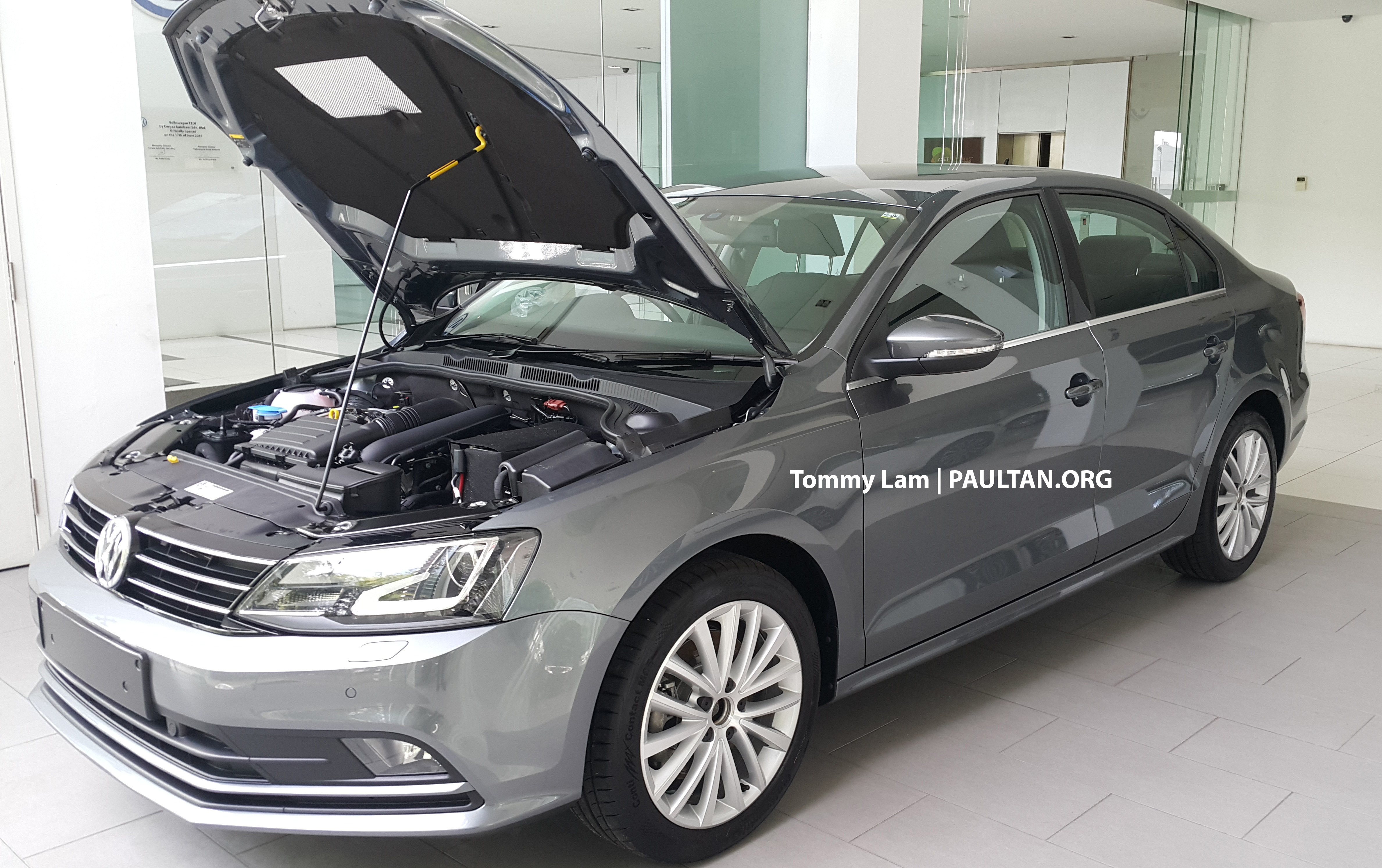 2016 volkswagen jetta spotted ahead of local launch. Black Bedroom Furniture Sets. Home Design Ideas