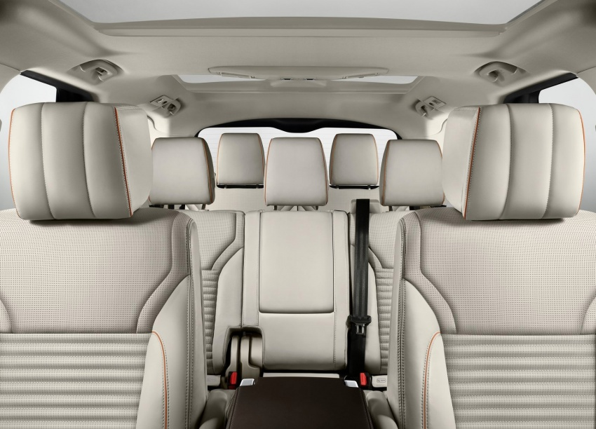 New Land Rover Discovery: full 7-seater, 480 kg lighter Image #555537