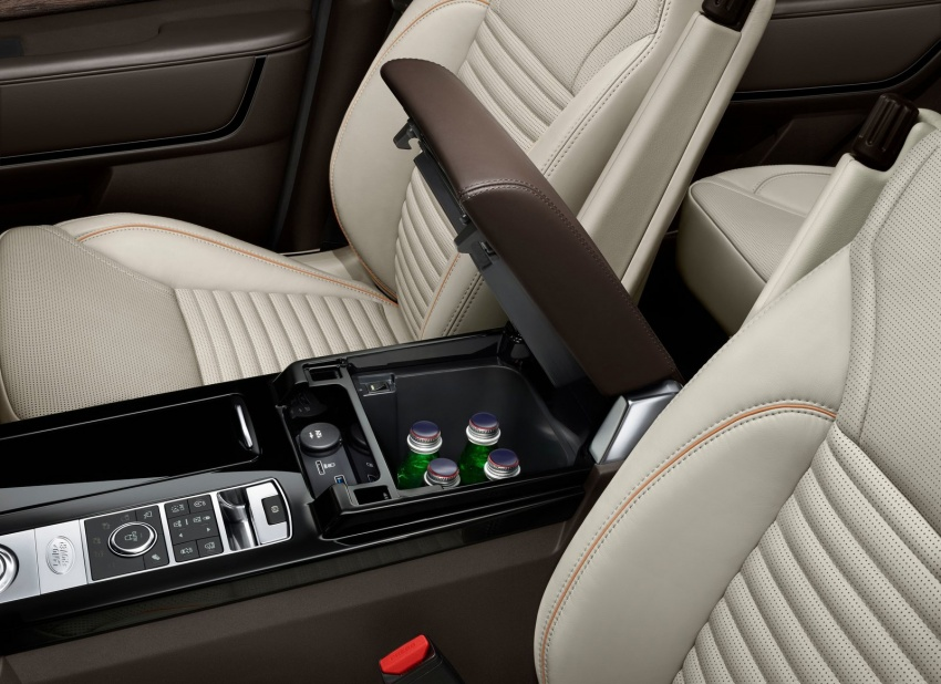 New Land Rover Discovery: full 7-seater, 480 kg lighter Image #555552