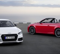 Audi TT  Coupé S line competition     Static photo, Colour: Glacier White Audi TT Roadster S line competition  Static photo, Colour: Tango Red