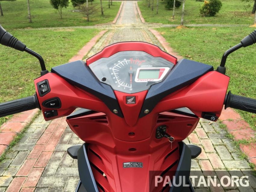 Honda RS150R vs Yamaha Y15ZR – Dua model terhangat bersemuka dalam segmen kapcai sports Image #549519