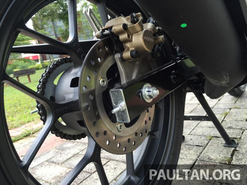 Honda RS150R vs Yamaha Y15ZR – Dua model terhangat bersemuka dalam segmen kapcai sports Image #549521