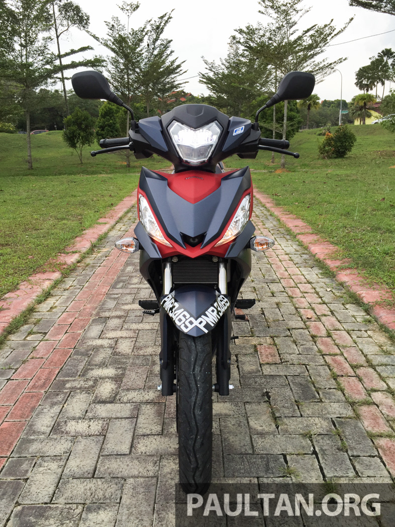 Honda RS150R vs Yamaha Y15ZR – Dua model terhangat bersemuka dalam segmen kapcai sports Image #549508
