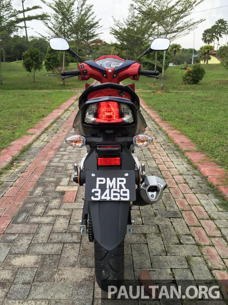 Honda RS150R vs Yamaha Y15ZR – Dua model terhangat bersemuka dalam segmen kapcai sports Image #549509