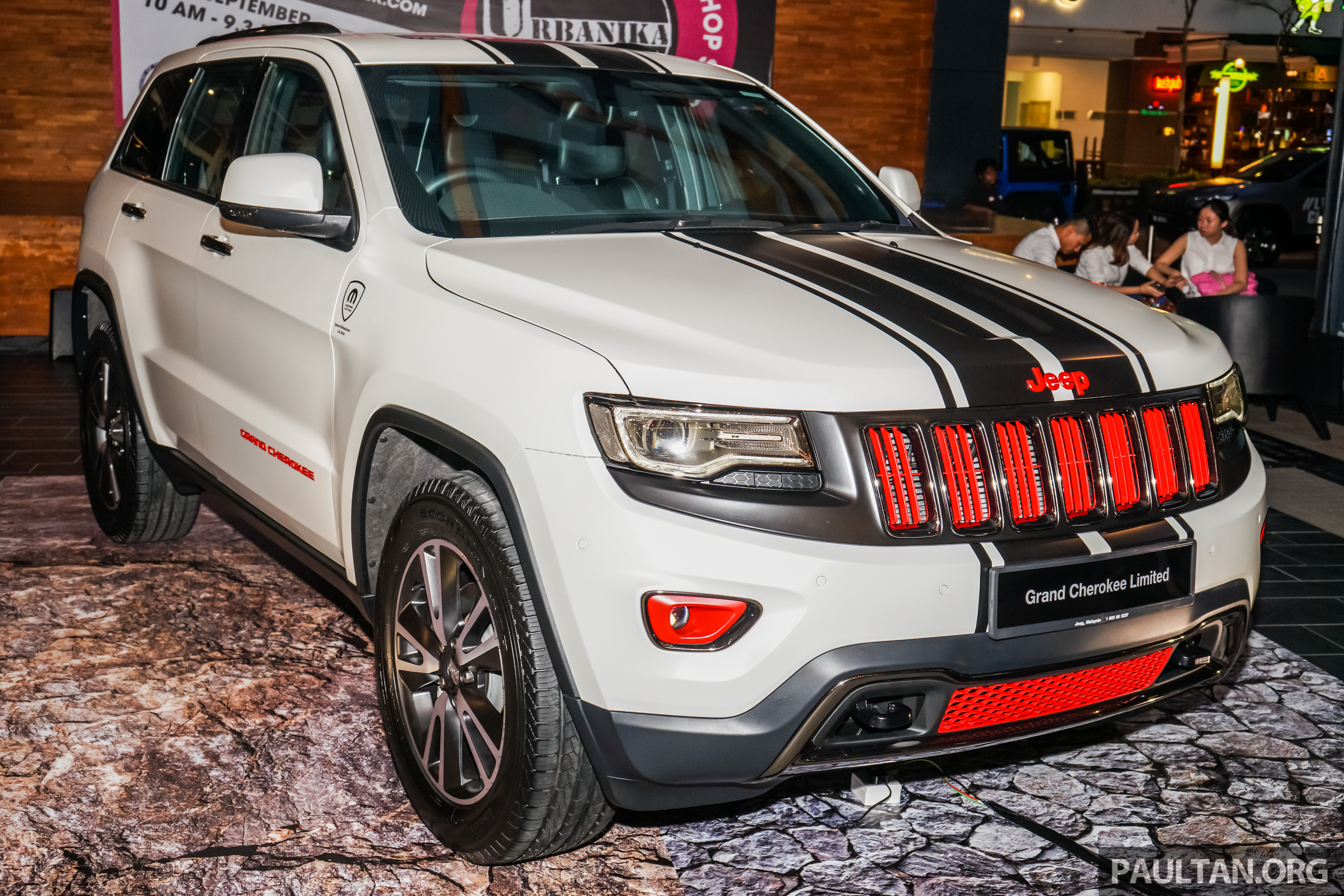 gallery jeep grand cherokee sport edition debuts special package priced at rm32k until end. Black Bedroom Furniture Sets. Home Design Ideas